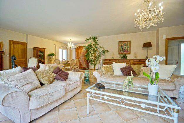 location-vacances-biarritz-villa-plain-pied-4pieces-piscine-barbeucue-jardin-spacieuse-sud-05-2021-15