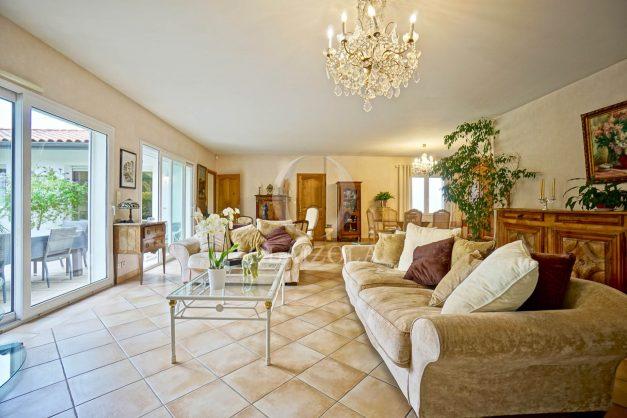 location-vacances-biarritz-villa-plain-pied-4pieces-piscine-barbeucue-jardin-spacieuse-sud-05-2021-16