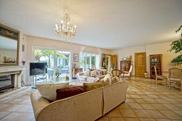 location-vacances-biarritz-villa-plain-pied-4pieces-piscine-barbeucue-jardin-spacieuse-sud-05-2021-17