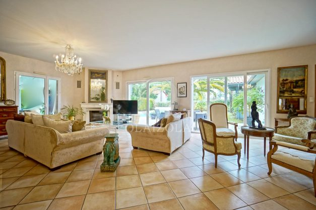 location-vacances-biarritz-villa-plain-pied-4pieces-piscine-barbeucue-jardin-spacieuse-sud-05-2021-18