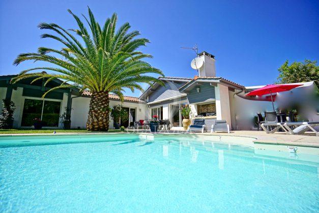 location-vacances-biarritz-villa-plain-pied-4pieces-piscine-barbeucue-jardin-spacieuse-sud-05-2021-2