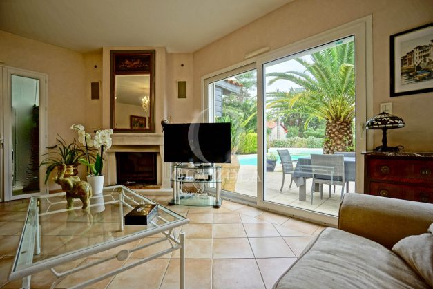 location-vacances-biarritz-villa-plain-pied-4pieces-piscine-barbeucue-jardin-spacieuse-sud-05-2021-20