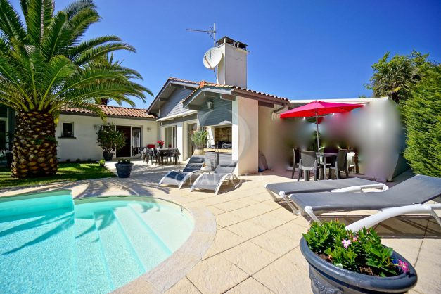 location-vacances-biarritz-villa-plain-pied-4pieces-piscine-barbeucue-jardin-spacieuse-sud-05-2021-3