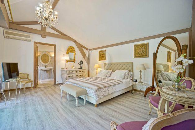 location-vacances-biarritz-villa-plain-pied-4pieces-piscine-barbeucue-jardin-spacieuse-sud-05-2021-32