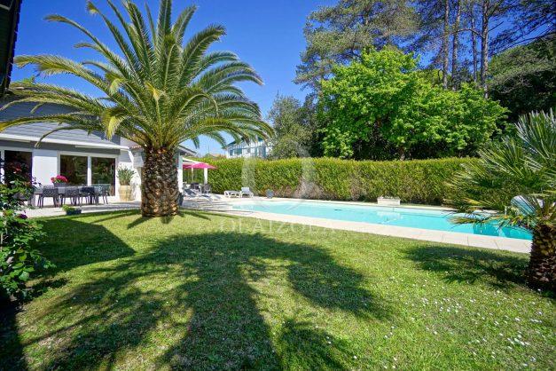 location-vacances-biarritz-villa-plain-pied-4pieces-piscine-barbeucue-jardin-spacieuse-sud-05-2021-45