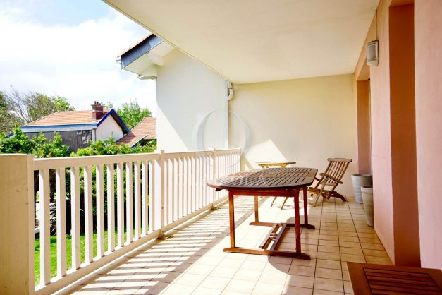location-vacances-agence-olaizola-2-pieces-beaurivage-biarritz-terrasse-proche-plage-010