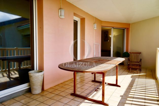 location-vacances-agence-olaizola-2-pieces-beaurivage-biarritz-terrasse-proche-plage-012