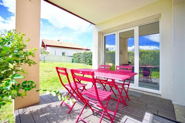location-vacances-bidart-t-3-jardin-terrasse-piscine-proche-plage-et-village-parking-006