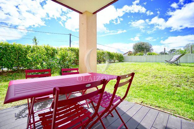 location-vacances-bidart-t-3-jardin-terrasse-piscine-proche-plage-et-village-parking-008