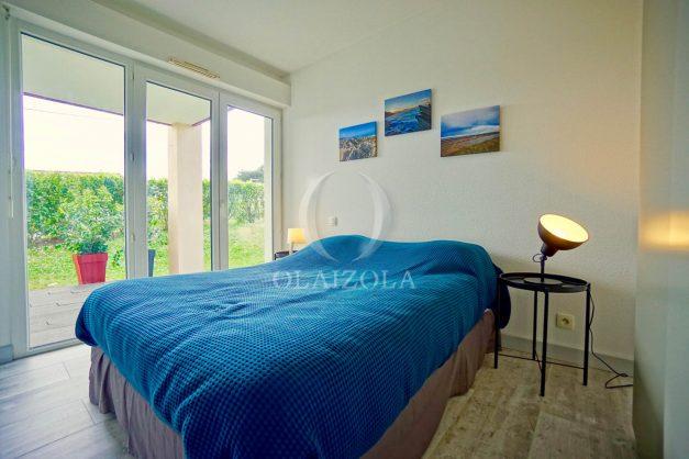location-vacances-bidart-t-3-jardin-terrasse-piscine-proche-plage-et-village-parking-028