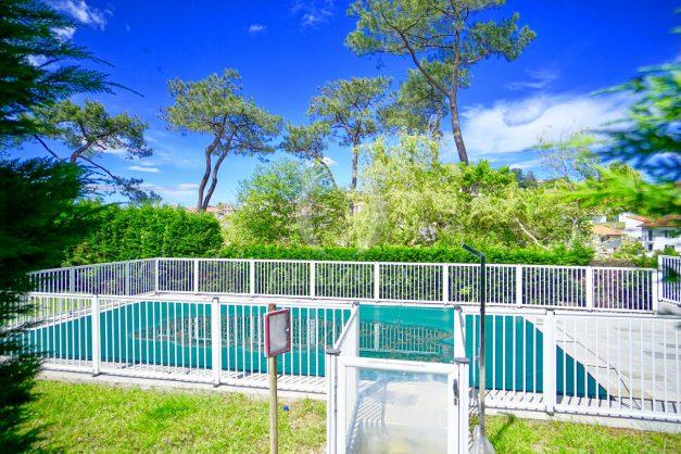 location-vacances-bidart-t-3-jardin-terrasse-piscine-proche-plage-et-village-parking-030