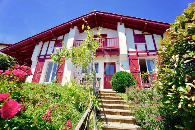 location-vacances-villa-bidart-agence -olaizola-jardin-jaccuzi-proche-plage-village-a-pied-008
