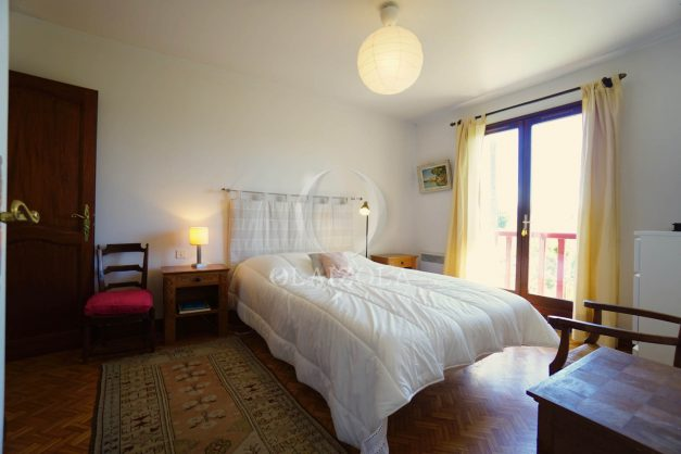 location-vacances-villa-bidart-agence -olaizola-jardin-jaccuzi-proche-plage-village-a-pied-024