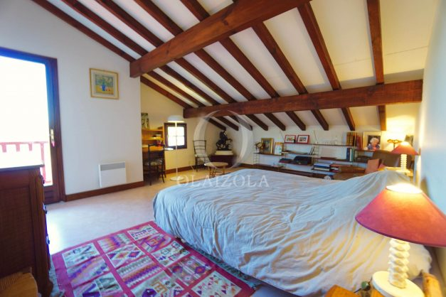 location-vacances-villa-bidart-agence -olaizola-jardin-jaccuzi-proche-plage-village-a-pied-031