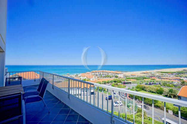 location-vacances-anglet-appartement-vue-mer-2pieces-terrasse-piscine-parking-001