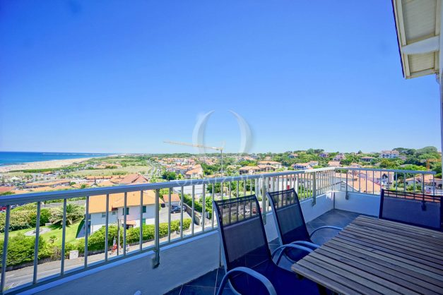 location-vacances-anglet-appartement-vue-mer-2pieces-terrasse-piscine-parking-003
