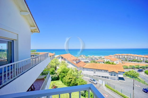 location-vacances-anglet-appartement-vue-mer-2pieces-terrasse-piscine-parking-006