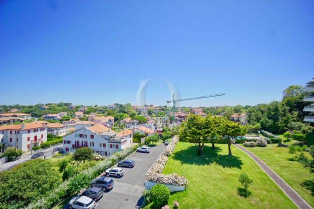 location-vacances-anglet-appartement-vue-mer-2pieces-terrasse-piscine-parking-025