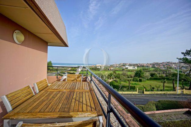 location-vacances-bidart-appartement-3pieces-vue-mer-golf-balcon-moderne-roseraie-ilbarritz-003