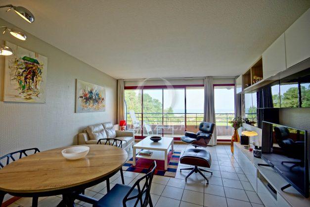 location-vacances-bidart-appartement-3pieces-vue-mer-golf-balcon-moderne-roseraie-ilbarritz-008
