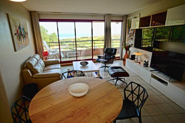 location-vacances-bidart-appartement-3pieces-vue-mer-golf-balcon-moderne-roseraie-ilbarritz-013