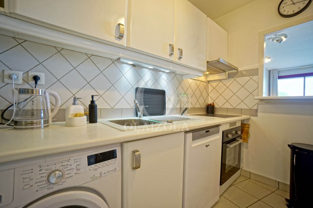 location-vacances-bidart-appartement-3pieces-vue-mer-golf-balcon-moderne-roseraie-ilbarritz-014