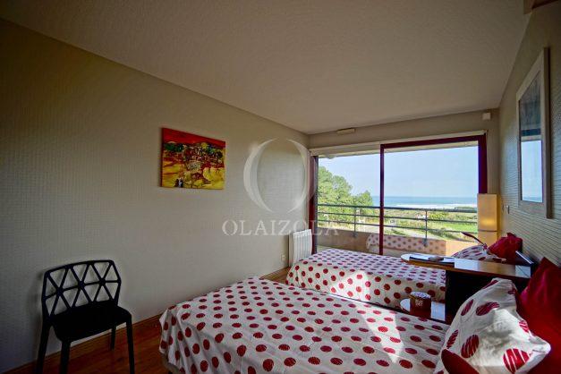 location-vacances-bidart-appartement-3pieces-vue-mer-golf-balcon-moderne-roseraie-ilbarritz-022