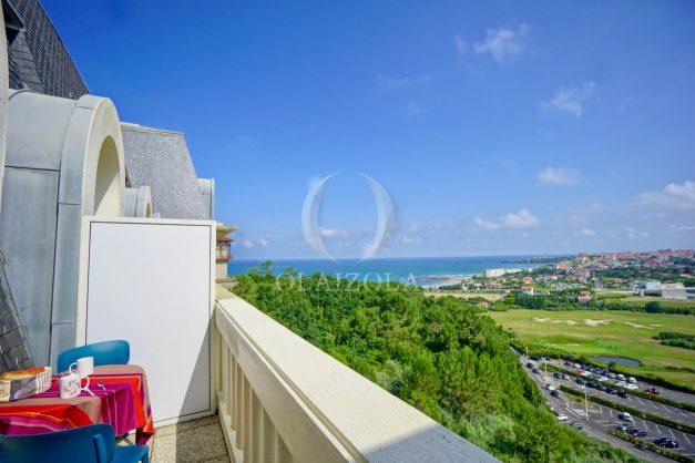 location-vacances-agence-olaizola-vue-mer-deux-pieces-piscine-parking-2020-001