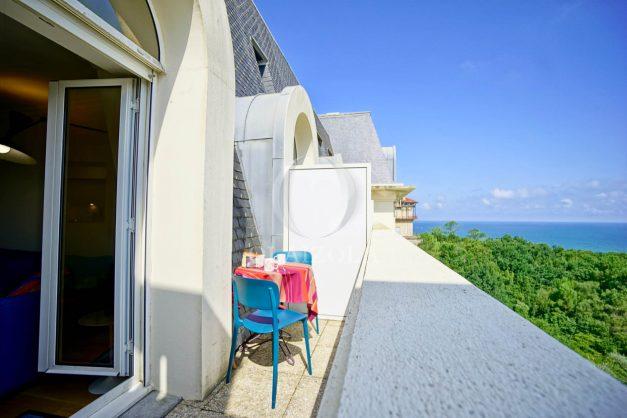 location-vacances-agence-olaizola-vue-mer-deux-pieces-piscine-parking-2020-002