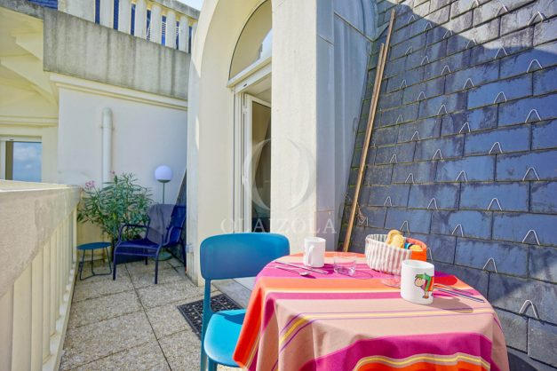 location-vacances-agence-olaizola-vue-mer-deux-pieces-piscine-parking-2020-006