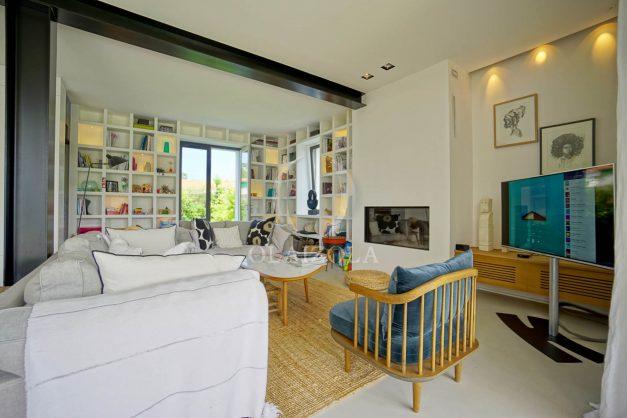 location-vacances-anglet-villa-piscine-terrasse-jardins-magnifique-salon-sejour-transate-soleil-5-chambres.027