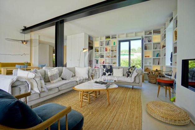location-vacances-anglet-villa-piscine-terrasse-jardins-magnifique-salon-sejour-transate-soleil-5-chambres.028