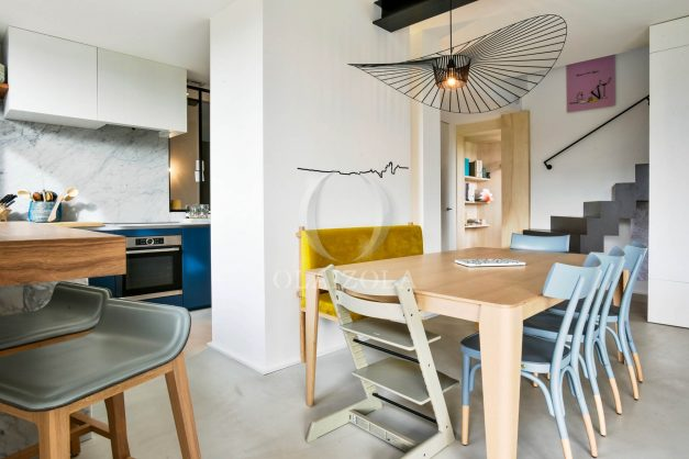 location-vacances-anglet-villa-piscine-terrasse-jardins-magnifique-salon-sejour-transate-soleil-5-chambres.033
