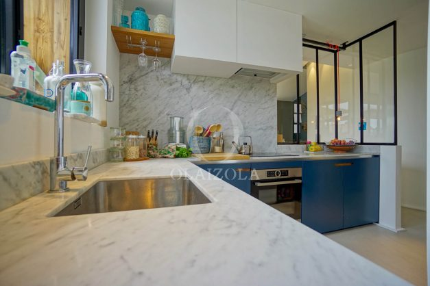 location-vacances-anglet-villa-piscine-terrasse-jardins-magnifique-salon-sejour-transate-soleil-5-chambres.034