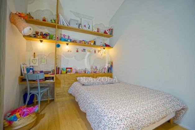 location-vacances-anglet-villa-piscine-terrasse-jardins-magnifique-salon-sejour-transate-soleil-5-chambres.051