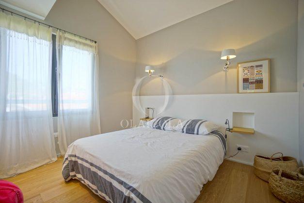 location-vacances-anglet-villa-piscine-terrasse-jardins-magnifique-salon-sejour-transate-soleil-5-chambres.053