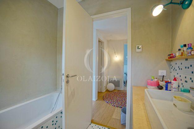 location-vacances-anglet-villa-piscine-terrasse-jardins-magnifique-salon-sejour-transate-soleil-5-chambres.058