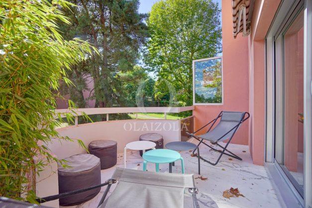 location-vacances-biarritz-appartement-T3-standing-residence-super-privee-terrasse-parking-grand-lit-ensoleillee-005