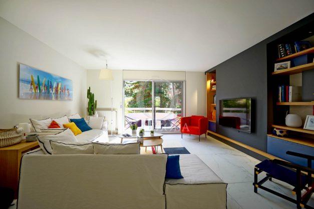 location-vacances-biarritz-appartement-T3-standing-residence-super-privee-terrasse-parking-grand-lit-ensoleillee-012