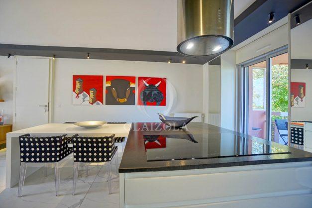 location-vacances-biarritz-appartement-T3-standing-residence-super-privee-terrasse-parking-grand-lit-ensoleillee-022