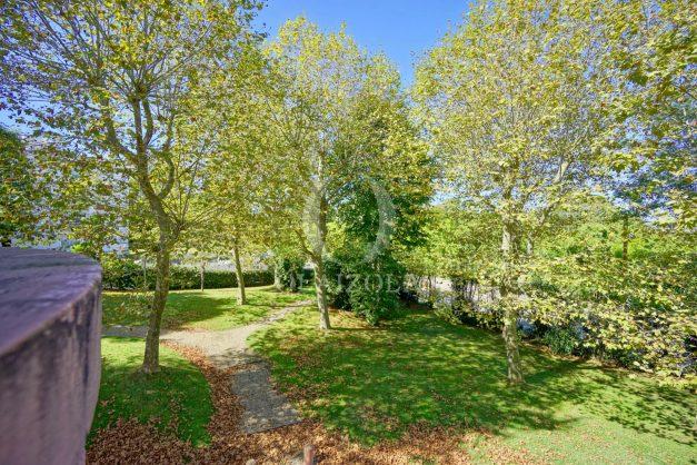location-vacances-biarritz-appartement-T3-standing-residence-super-privee-terrasse-parking-grand-lit-ensoleillee-031