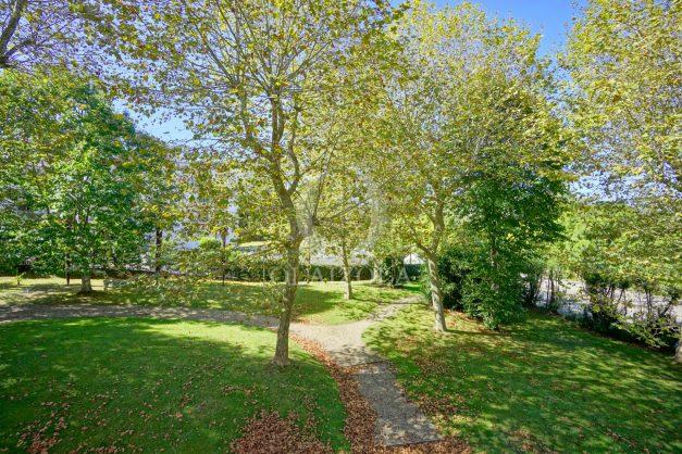 location-vacances-biarritz-appartement-T3-standing-residence-super-privee-terrasse-parking-grand-lit-ensoleillee-032