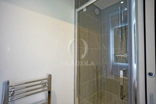 location-vacances-biarritz-appartement-T3-standing-residence-super-privee-terrasse-parking-grand-lit-ensoleillee-048