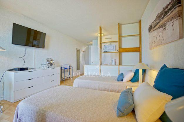 location-vacances-biarritz-studio-vue-mer-sublime-8-étages-loggia-grande-plage-premier-plan-victoria-surf-centre-ville009