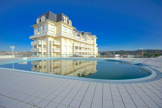 ocation-vacances-bidart-T2-roseraie-piscine-parking-plages-ilbarritz-023