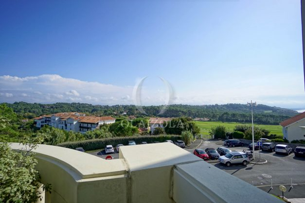 location-vacances-bidart-appartement-laroserai-vue-mer-golf-terrasse-balcon-magnifique-location-vacances-bidart-appartement-laroserai-vue-golf-terrasse-balcon-magnifique-008