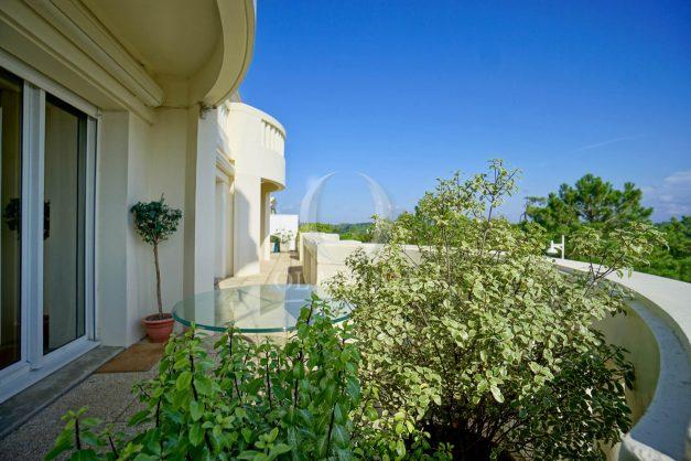 location-vacances-bidart-appartement-laroserai-vue-mer-golf-terrasse-balcon-magnifique-location-vacances-bidart-appartement-laroserai-vue-golf-terrasse-balcon-magnifique-010