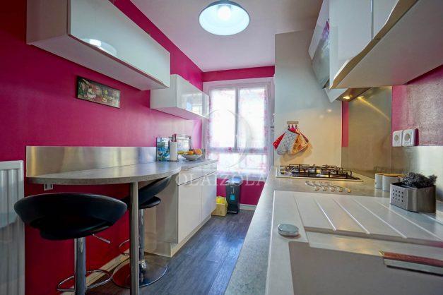 location-vacance-saint-jean-de-luz-t3-2eme-etage-proche-gare-commerce-011