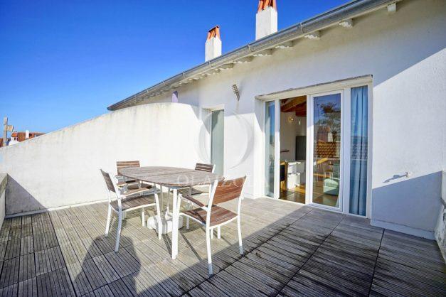 location-vacances-biarritz-appartement-refait-a-neuf-duplex-garage-terrasse-ensoleillee-plein-sud-migron-2020-004