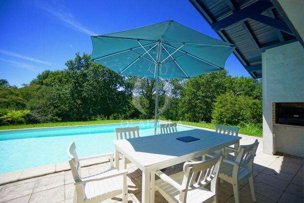 location-vacances-cote-basque-golf-villa-piscine-terrasse-makila-jardin-proche-plages-002